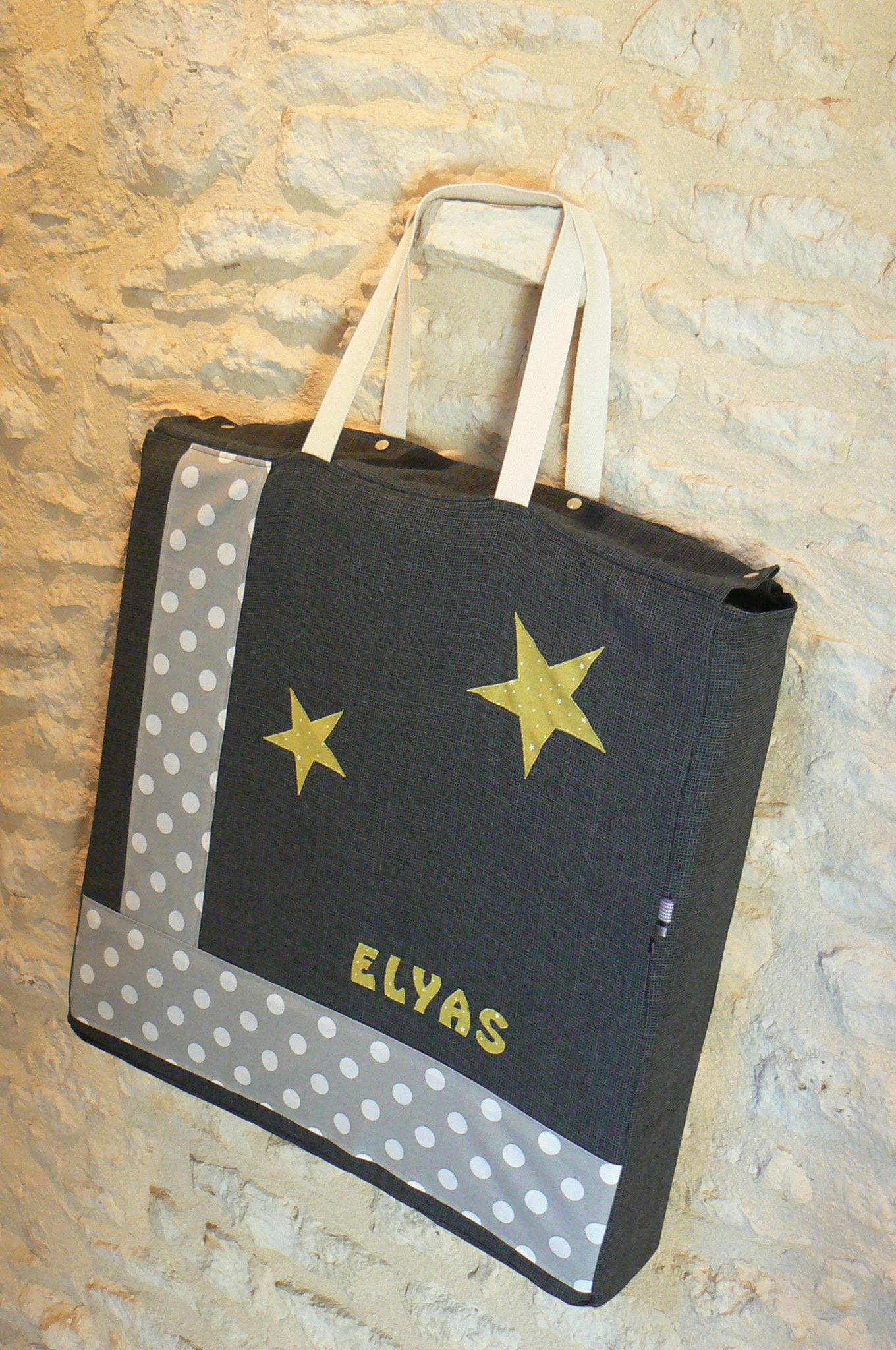 un joli sac pour le matelas du lit parapluie d elyas mes petites coutures. Black Bedroom Furniture Sets. Home Design Ideas