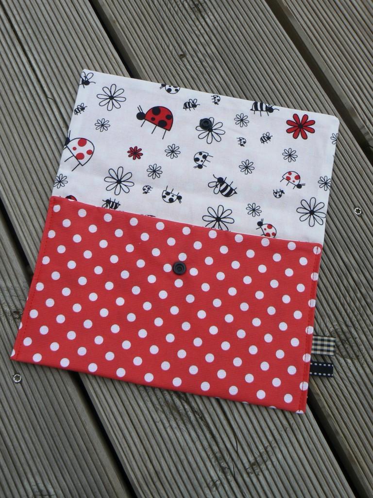 Pochette-étui-range-serviettes (1)
